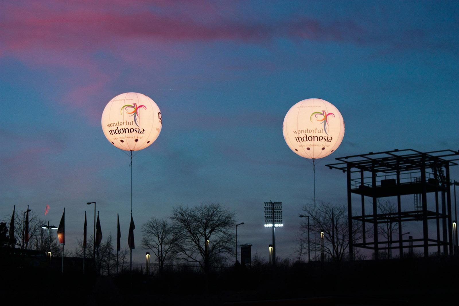 Leuchtballons auf Messen